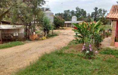 Chácara em Porangaba à Venda ( com 3 granjas montadas )